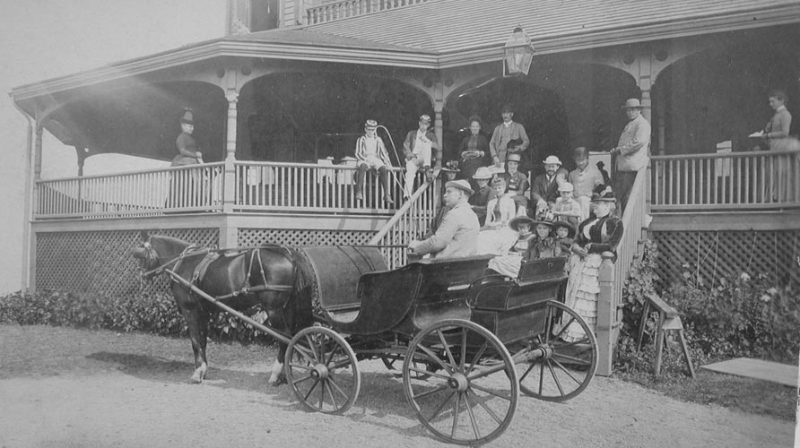 carriage-and-hotel